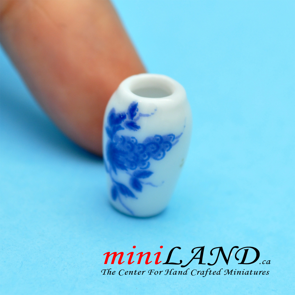 Small Blue Flower China Vase For Dollhouse Miniature 1 12