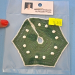 Christmas tree skirt Needleart treasures by Rosalle Pinske dollhouse miniatures 1:12