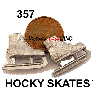 "HOCKY SKATES 3/4""L DIY metal miniature for dollhouse - Do it yourself 2pcs"