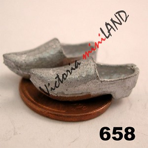 "DUTCH SHOES 3/4""L unfinished DIY metal miniature for dollhouse - Do it yourself"