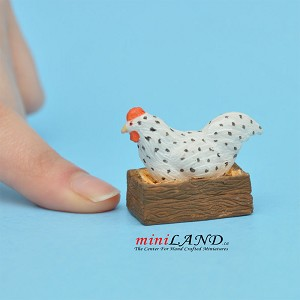 "Hen with Crate 1""H x 1-1⁄4""L For dollhouse miniatures 1:12 scale"