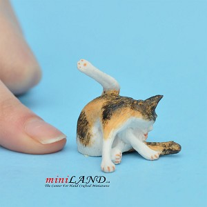 "Cat Tabby 1""H/1⅛""L/¾""W For dollhouse miniatures 1:12 scale"