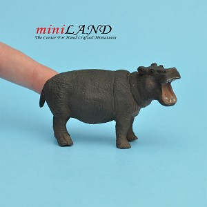 "Rhinoceros 1⁄2"" Scale for dollhouse miniature 1:24 scale"