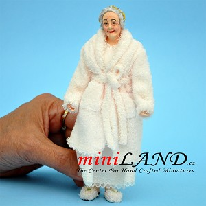 GRANNY - Older lady in robe and slippers 1:12 scale