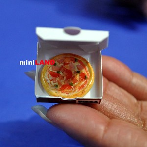 Pizza in box for 1:12 Scale dollhouse miniature handmade food PFZ3